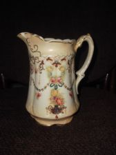 BEAUTIFUL ANTIQUE BLUSH HANDPAINTED GOOD SIZED JUG SOFT GILDING GARLANDS 3181